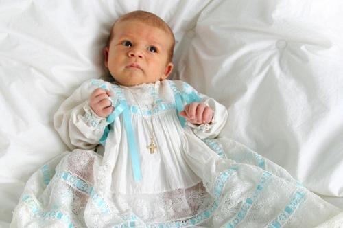 Какой наряд выбрать для крещения ребёнка