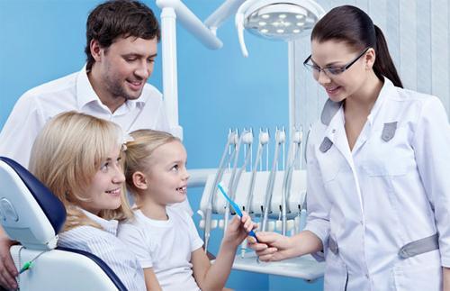 Семейная стоматология: берегите здоровье зубов