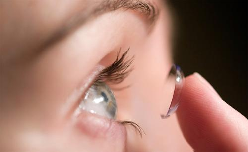 Как правильно выбирать контактные линзы детям?