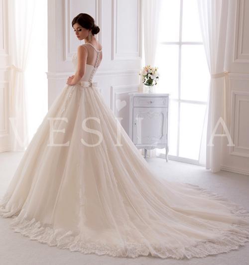 Свадебное платье: оригинальный наряд для сказочного дня