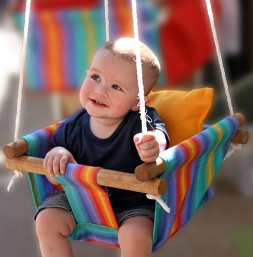 Выбираем качели для малыша