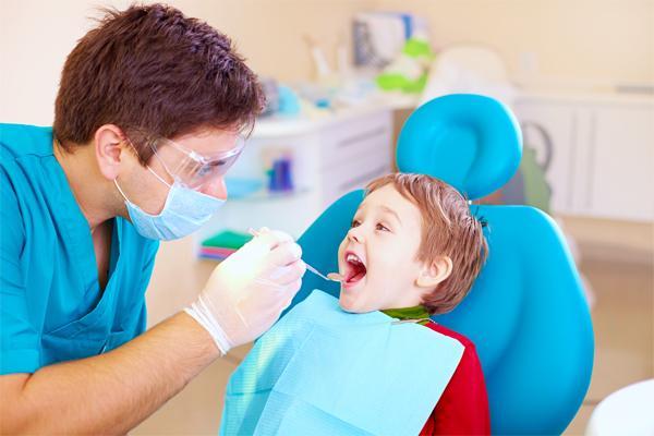 Молочные зубы: секрет лечения