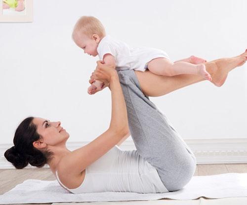 Здоровая и стройная мама