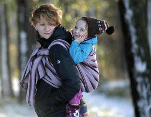 Что дает слинг – шарф матери, а что ребенку?