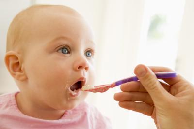 Чем кормить ребёнка в год