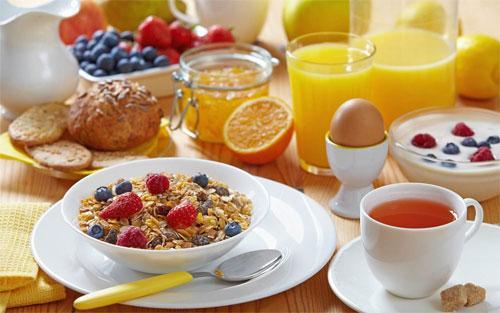 Здоровое и разнообразное питание в кругу семьи