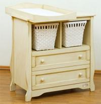 Мебель для новорожденного: пеленальные детские комоды